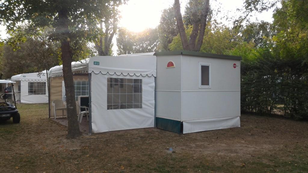 Casa mobile burstner 8 00x3 00 con veranda 4springs case for Casa ranch con veranda