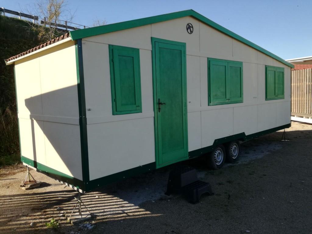 Casa mobile in legno 7 30x2 50 18 25 mq vuota 4springs for Casa mobile in legno