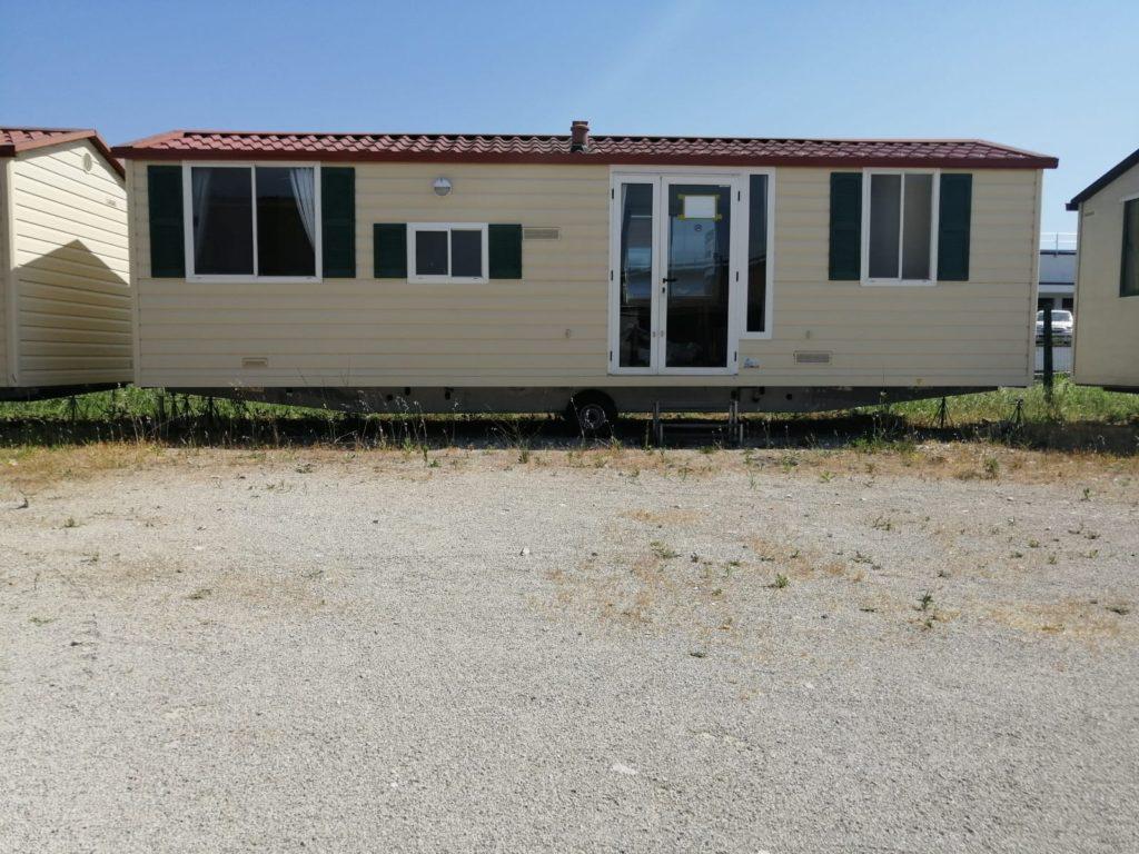 Case su ruote usate shelbox 9x3 4springs case mobili for Case in legno su ruote su terreno agricolo