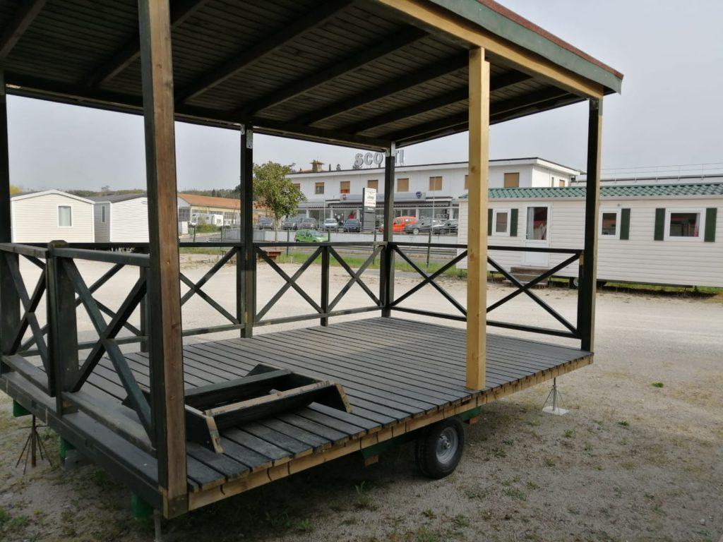 Verande in legno usata su ruote 4springs case mobili for Case in legno su ruote su terreno agricolo