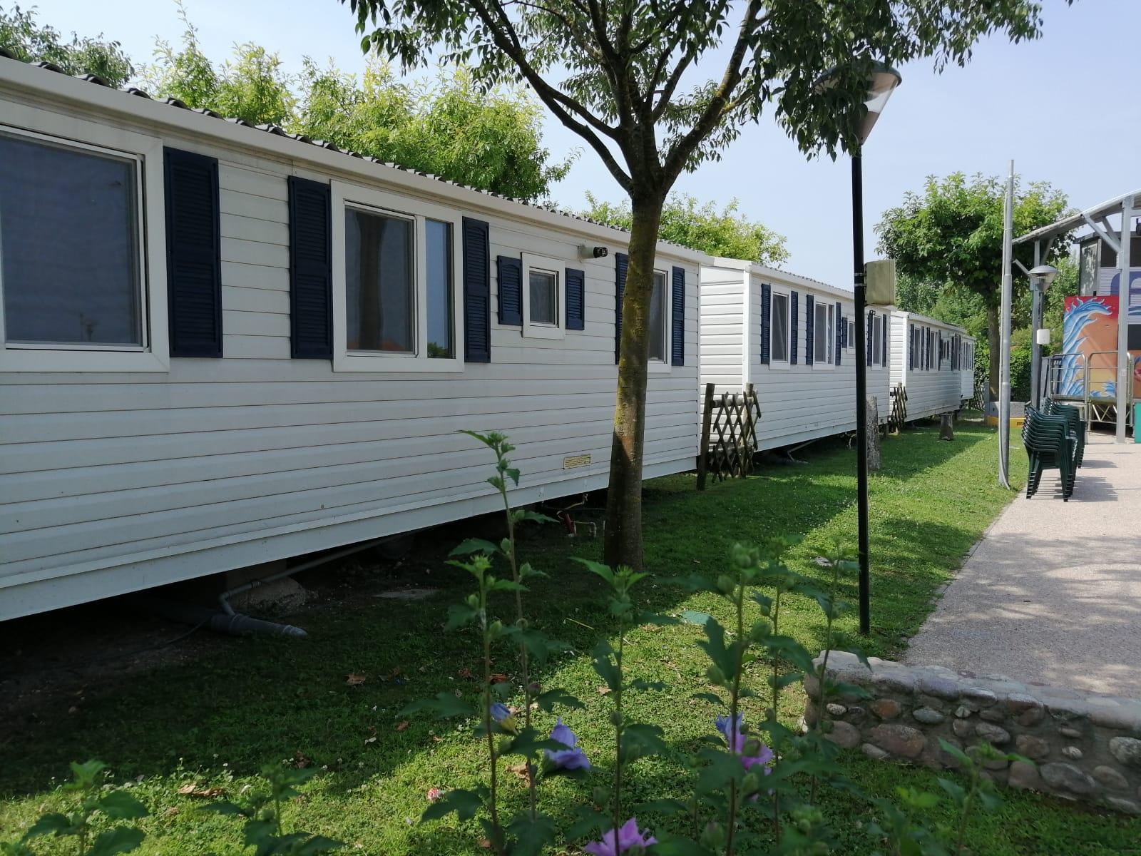 Casa mobile usata shelbox violet 8x4 4springs case mobili for Mobili x casa